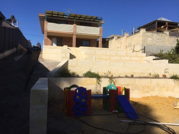 retaining walls am earthmoving
